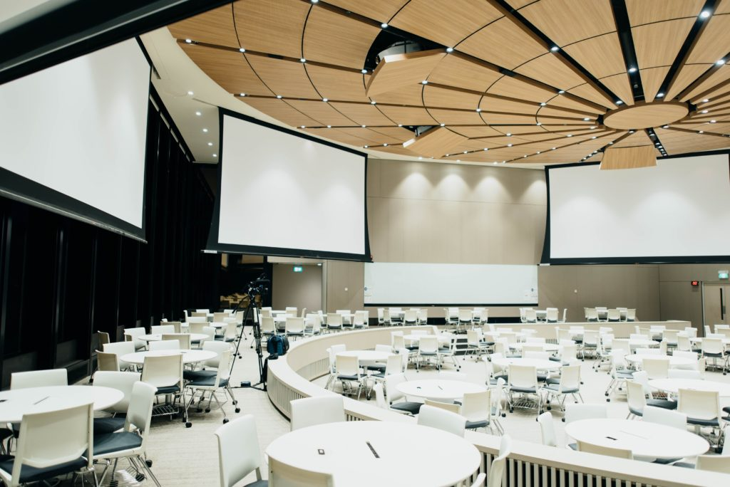 importance-and-benefits-of-conferences