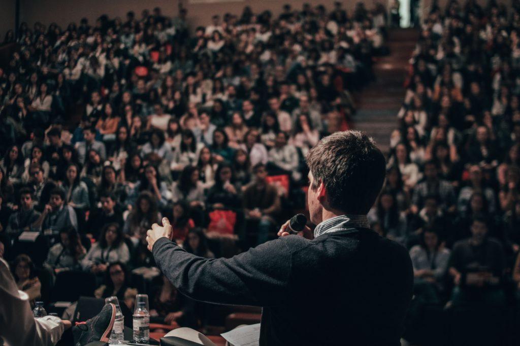 keynote-experts-at-conferences